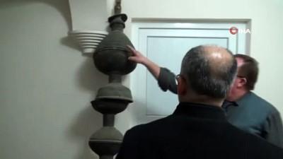 Siirt'te 750 yıllık alem muhafaza ediliyor