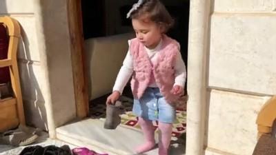 Suriyeli minik Selva, 6 aydır 'savaş oyunu' oynuyor (1) - İDLİB