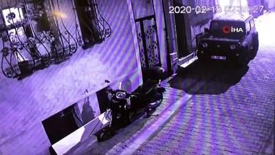 Ünlü profesörün eşi hırsızı böyle etkisiz hale getirdi