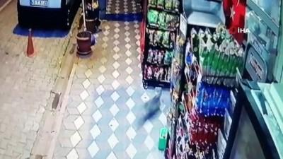 akalan -  Kırkağaç'ta depremin yaşattığı panik kameraya böyle yansıdı