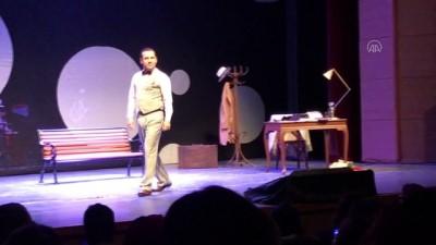 edebiyat - Sabahattin Ali'yi konu alan 'Aldırma Gönül' Karabük'te sahnelendi - KARABÜK