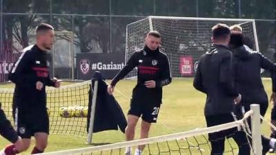 kisla - Gaziantep FK'de iki penaltı kaçıran Muhammet Demir üzgün - GAZİANTEP