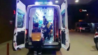 yasli adam -  Otomobil TIR'a arkadan çarptı 2 yaralı