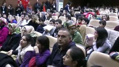 ogrenciler -  Sultangazi'de Akıl ve Zeka Oyunları Turnuvası Ödül Töreni