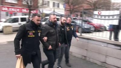 silahli kavga -  Gazino önünde çıkan tartışmada silahlar konuştu: 1 yaralı