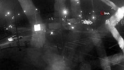 gesi -  - Rusya'da otomobile çarpan tır eczaneye daldı