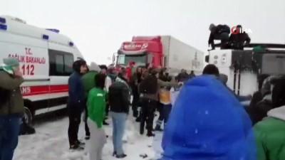 sili -  Bursaspor taraftarını taşıyan otobüs devrildi: 2 yaralı