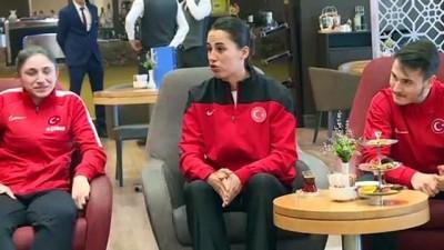 yurt disi - Bakan Kasapoğlu'ndan milli karatecilere ziyaret - İSTANBUL