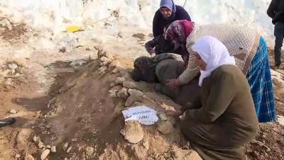 Depremde hayatını kaybedenler toprağa verildi (4) - VAN
