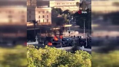 - Şili'de müzik festivali protestoları ateşledi - Göstericiler Ricky Martin'in kaldığı oteli yakmaya çalıştı