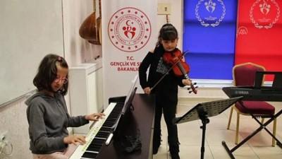 baglama - Müzik şehri Kırşehir'de piyano ve kemana ilgi artıyor - KIRŞEHİR