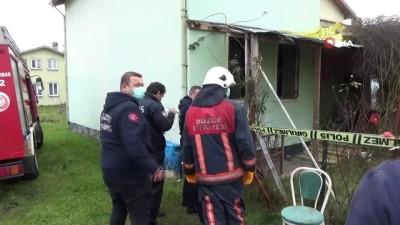 yasli adam -  82 yaşındaki yaşlı adam evinde yanmış halde bulundu