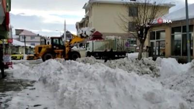 Bingöl'de karla mücadele çalışmaları aralıksız devam ediyor