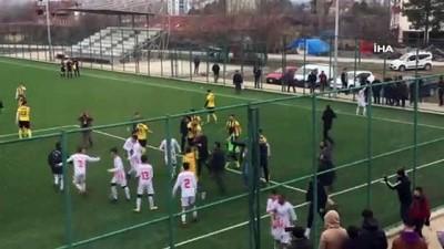 futbol maci - Futbol maçında tekme ve yumruklar konuştu