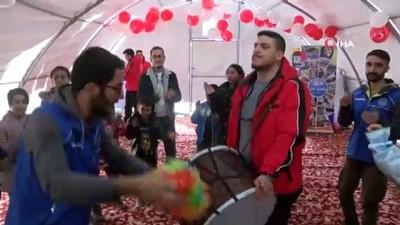 psikoloji -  Okulların 10 Şubat'ta açılacağı Elazığ'da çadır kentlerde yaşam sürüyor