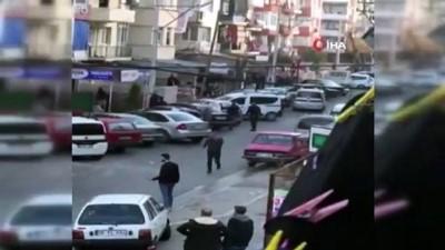 silahli kavga -  İzmir'in göbeğinde güpegündüz pompalı dehşet kamerada