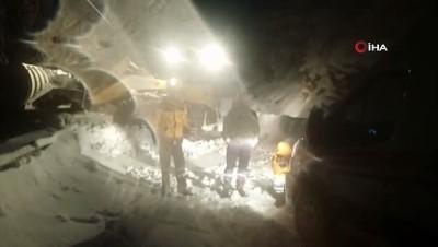 yasli adam -  Karda yolu kapanan köydeki hasta hastaneye 11 saatte ulaştırıldı
