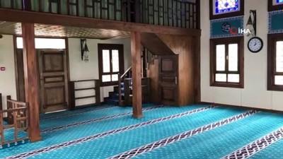 İBB'nin imam kadrosunu iptal edip kilitlediği camiler yeniden ibadete açıldı
