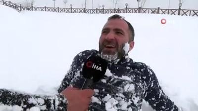 yuzme -  Kar yağışını eğlenceye çevirdiler