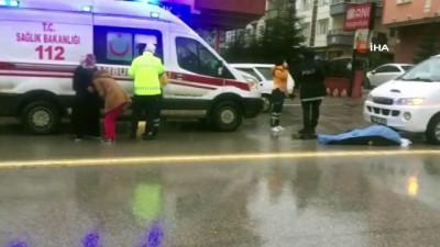 yasli adam -  Yolun karşısına geçmeye çalışan yaşlı adama çarpıp kaçtı