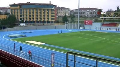 Bakan Kasapoğlu, Burhan Felek Atletizm Stadı'nda incelemelerde bulundu