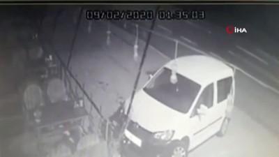 ticari arac -  Tavanı kopan otomobilden burnu bile kanamadan kurtuldu