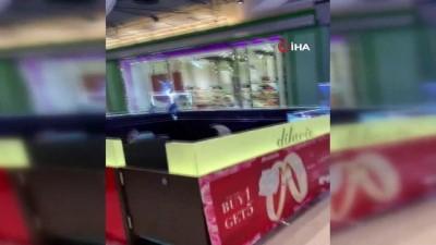 guvenlik gucleri -  - Tayland'da alışveriş merkezinde katliam yapan asker öldürüldü - Katliamda ölenlerin sayısı 26'ya ulaştı