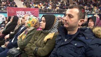 Bin 250 konutluk kura çekiminde ismi okunan vatandaşlar sevinç gözyaşlarına boğuldu