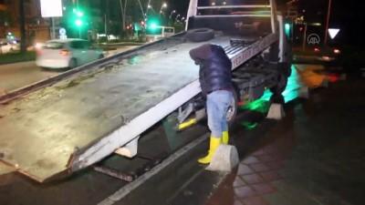 'Dur' ihtarına uymayan alkollü sürücü polise çarptı - ADANA