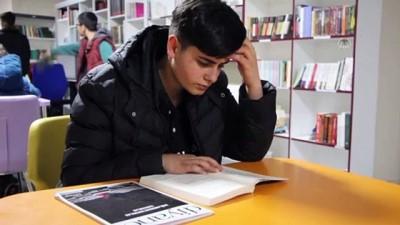 genclik merkezi - Gençlik merkezinde öğrenciler, kitap okuma süreleri kadar oyun oynuyor - BİNGÖL