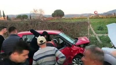 opel -  İki otomobil kafa kafaya çarpıştı: 1'i ağır 4 kişi yaralandı