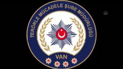 hukuk devleti - Van'da polisin ikna çalışmasıyla teslim olan 2 terörist ailelerine kavuştu