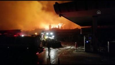 Benzin istasyonunda çıkan yangına itfaiyeden müdahale - BİLECİK