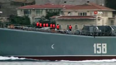 Rus savaş gemisi 'Caesar Kunikov' İstanbul Boğazı'ndan geçti