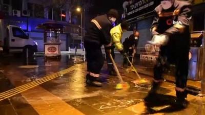 Ekipler gece yarısı sokakları dezenfekte etti