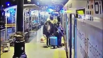 Tramvayda yankesiciliğe suçüstü - İSTANBUL