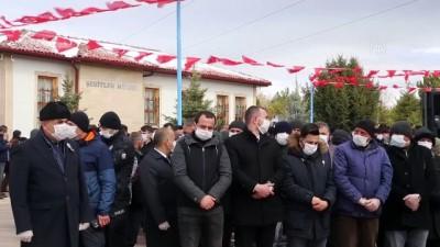 idlib - Şehit Ramazan Nayir son yolculuğuna uğurlandı (2) - SİVAS