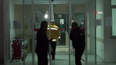 Hastanenin karantina servisine alınmayan şahıs dehşet saçtı: 2 yaralı