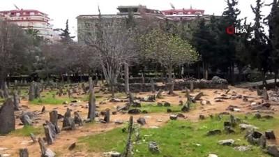 gizemli -  Alanya'da sahipsiz taş mezarlar gizemi koruyor