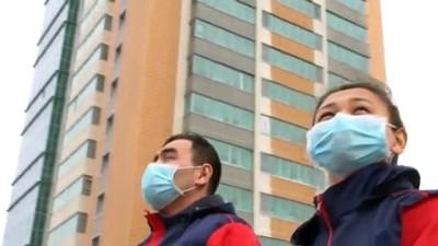 olaganustu hal - Nur Sultanlılardan, Kovid-19 salgınıyla mücadele eden doktorlara alkış - NURSULTAN