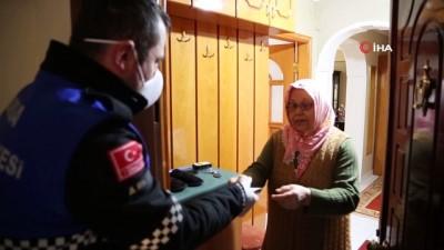 Nilüfer'de yaşlıların ihtiyaçları karşılanıyor