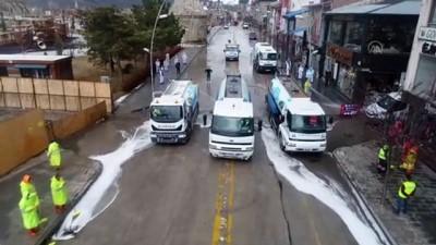 185 kişilik belediye ekibi, Kovid-19'a karşı dezenfeksiyon çalışması yapıyor - ERZURUM