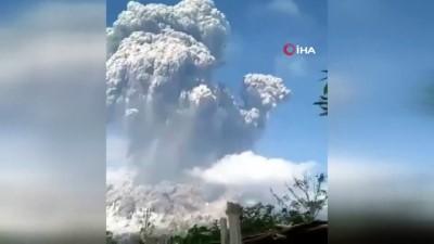 - Endonezya'da Merapi Yanardağı'nda Patlama