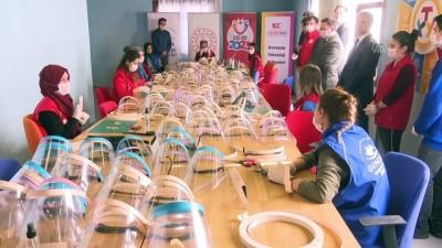 genclik merkezi - Gençlik Merkezlerinde ''Korumalı Maske'' üretimi (2) - ANKARA