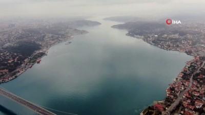 olaganustu hal -  İstanbul Boğazı sessizliğe büründü, azalan gemi trafiği drone ile görüntülendi