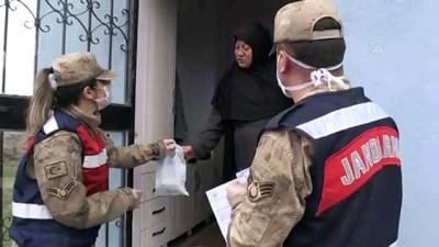 emekli maasi - Jandarma ihtiyaçlarını karşıladığı yaşlılara devletin şefkatli elini uzatıyor - MUŞ