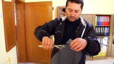 Öğretmenler gönüllü olarak siperlik ve maske üretiyor - SİVAS