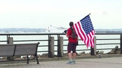 koronavirus - ABD donanmasına ait hastane gemisi New York'a geldi - NEW YORK