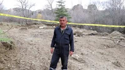 Tarlasını süren çiftçi, Roma dönemine ait yapı parçaları buldu - BURDUR