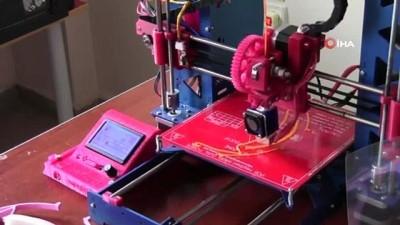 4 öğretmen sağlıkçılar için 3D yazıcıda 'Yüz koruyucu siperlik' üretti